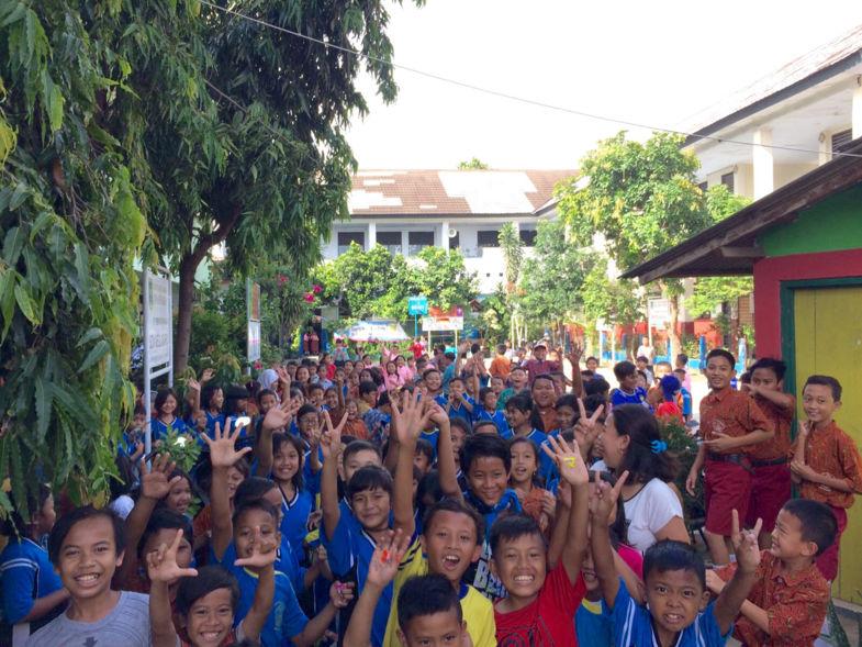 Kleurrijke kinderen op hun school in Jakarta