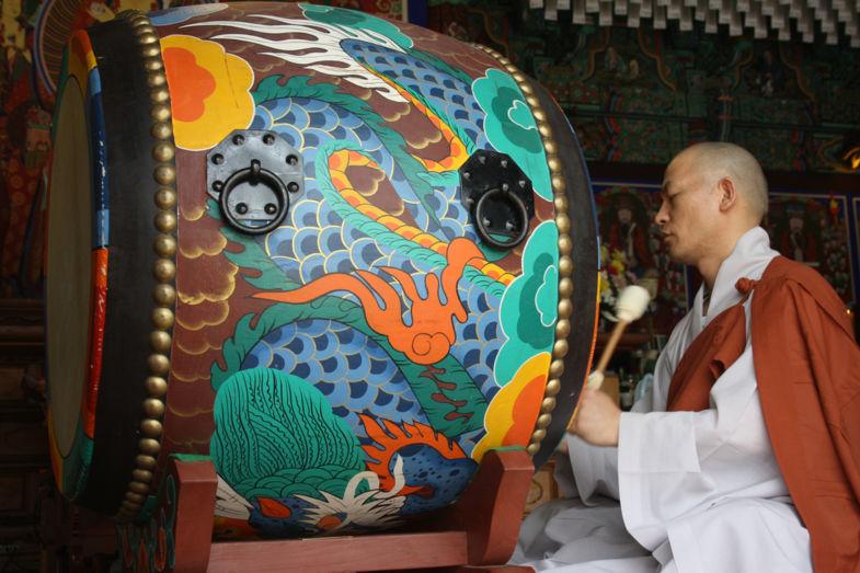 Monnik in Seoul, Zuid-Korea