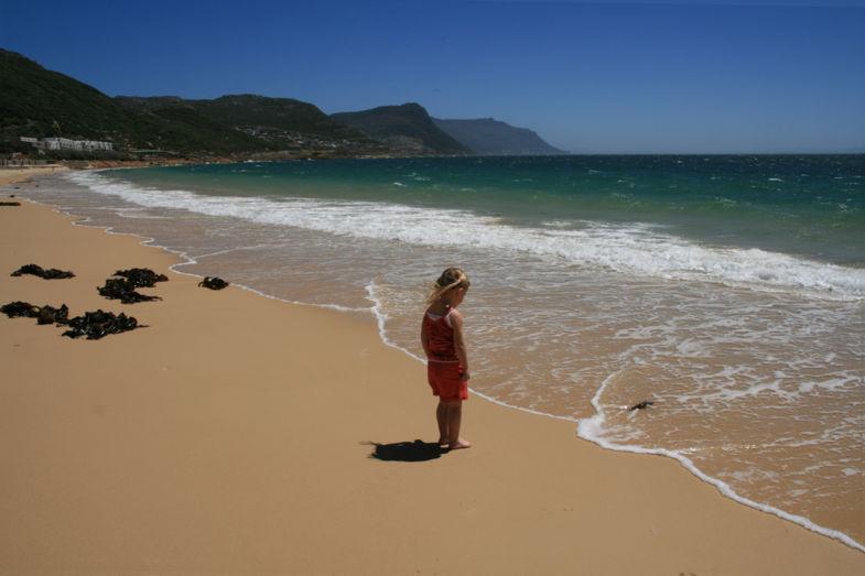 Meisje op het strand, Simonsstad-Zuid Afrika