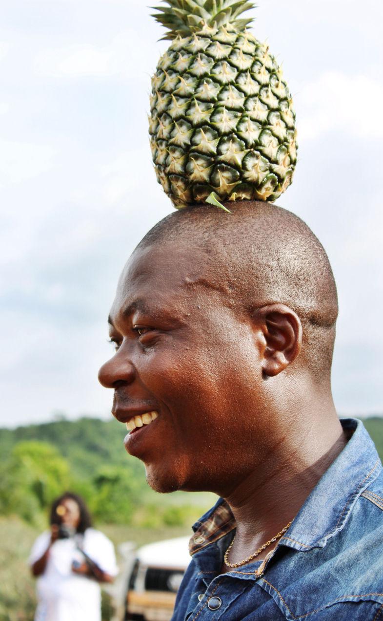 Ananasboer Billy laat zien wat hij kan