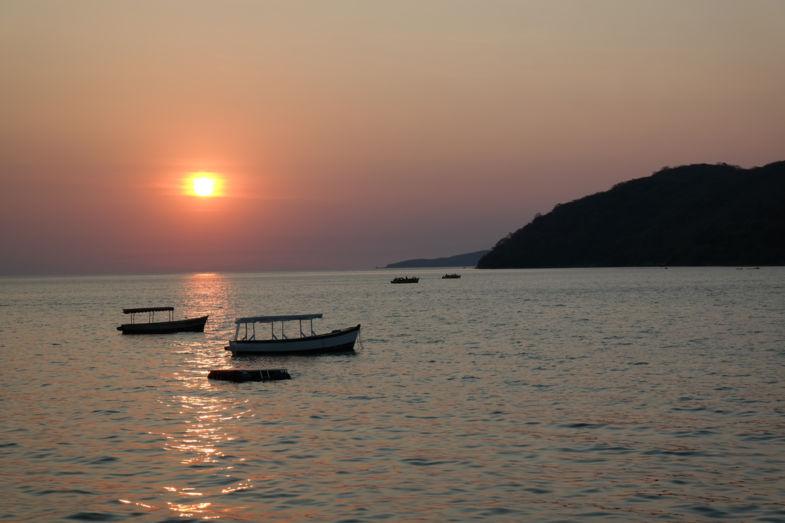 Prachtige zonsondergang bij Lake Malawi!