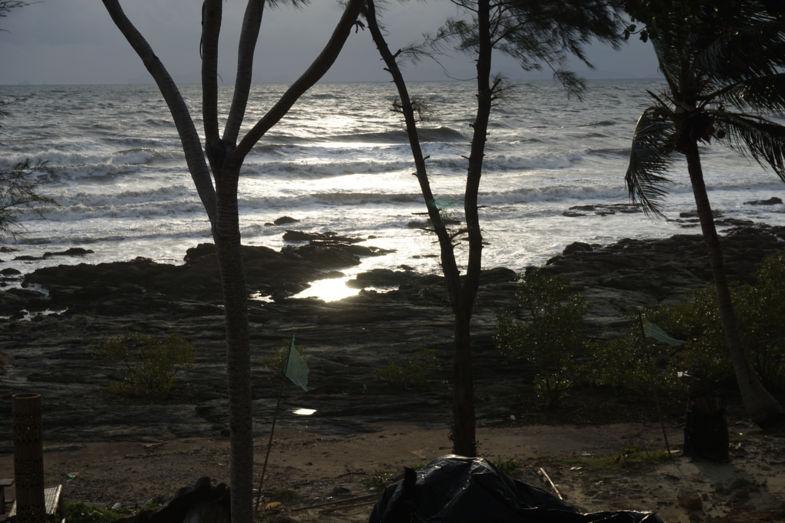 Zonsondergang op het meest westelijke puntje van koh lanta Thailand