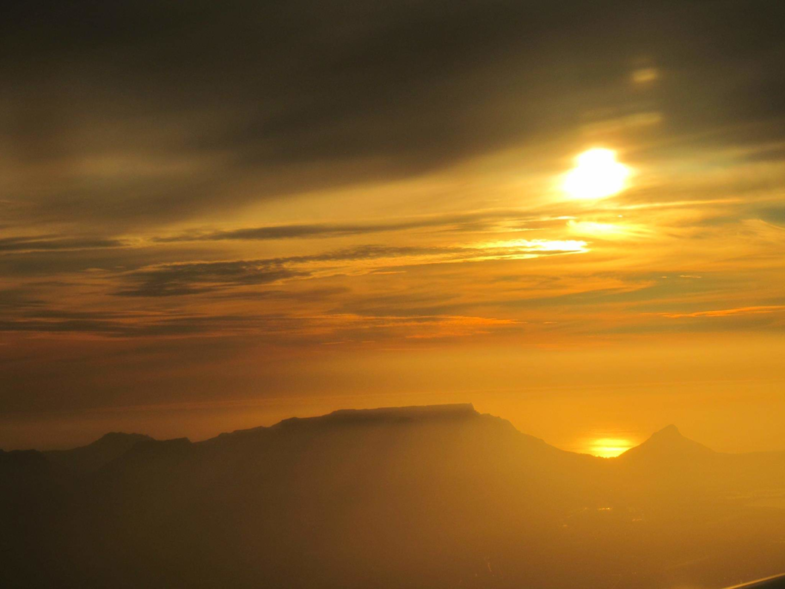 Zonsondergang bij de tafelberg