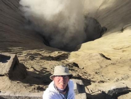 Bovenop een grommende Bromo vulkaan!