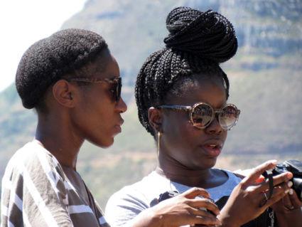 selfie in de wachtrij weerspiegeld in de bril