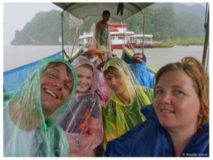 Selfie gemaakt in de stromende regen bij Ao Phang Nga National Park