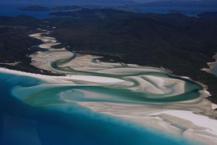 Flying Whitsunday Islands crossing Whitehaven Beach
