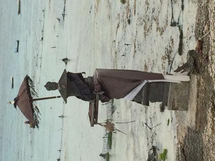 Waken over de zee bij Lembongan