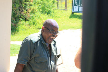 De bewaker van Addo Elephant NP had het erg naar zijn zin