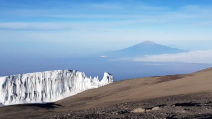 De laatste gletsjers van Mt. Kilimanjaro.